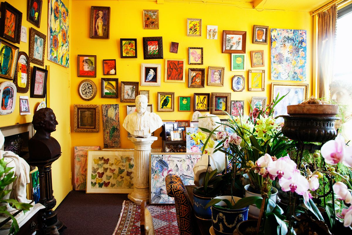 From The Selby: Artist, Hunt Slonem's, uniquely quirky NY interior.