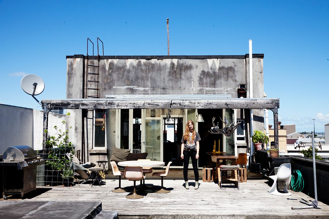 From The Selby: Auckland stylist, Charlotte Rust's, awesome metal rooftop home makes me wonder why I'm not cooler.