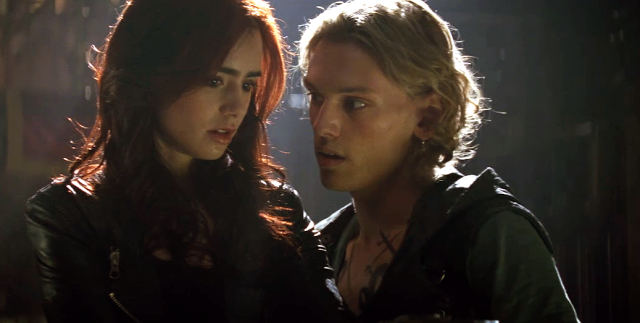Lily-Collins-Jamie-Campbell-Bower-Clary-Fray-Jace-Wayland-The-Mortal-Instruments-City-of-Bones-TMI-2