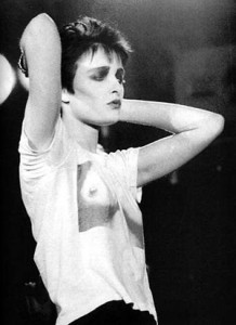 I love it on Siouxsie Sioux, too