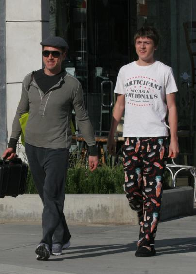 Robert Downey Jr. and Son from www.posh24.com