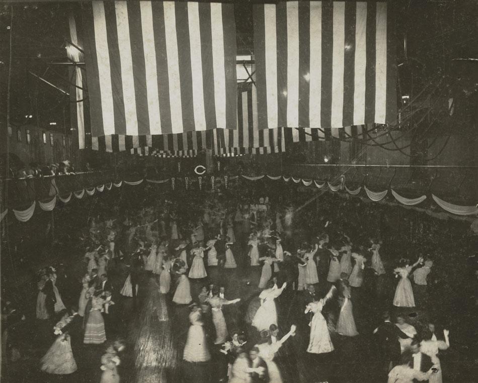 Prom, 1900.