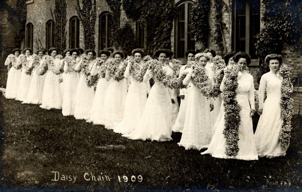 Daisy Chain Procession At Vassar