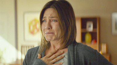 jennifer-aniston-cake-cry