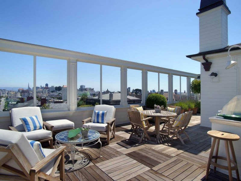 and-the-living-areas-open-on-to-this-enormous-rooftop-terrace