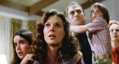 JoBeth Williams and the cast of Poltergeist (photo: MGM)