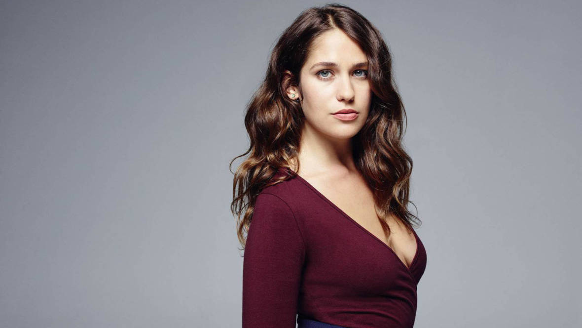 Lola Kirke Just Found Out How ...