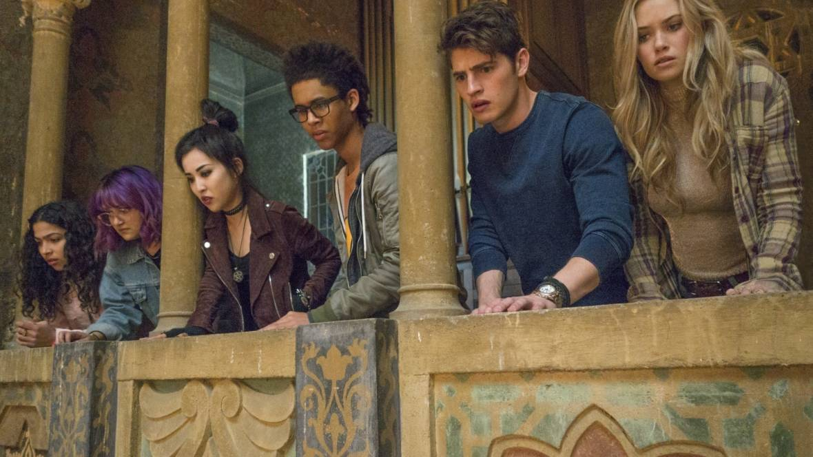 Angsty Teens With Supervillain Parents: Hulu's 'Runaways' is a Marvel Brightspot