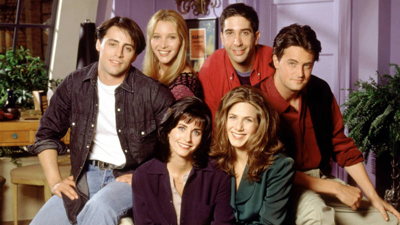 All the 'Friends' Outfits We Should Bring Back