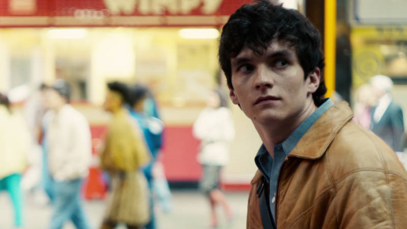 Fionn Whitehead plays Stefan, a programmer creating a mid-'80s adventure game in 'Black Mirror: Bandersnatch'.