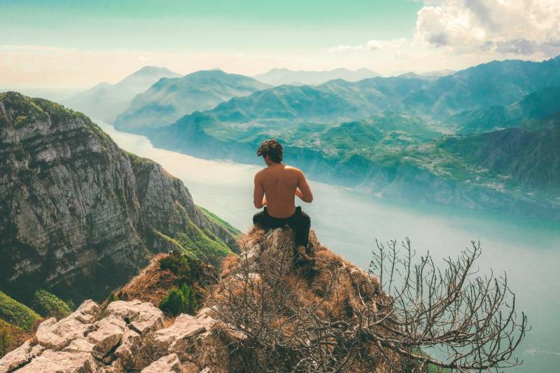 Why Do So Many Men Stand on Mountains in Their Dating Profile Pics?