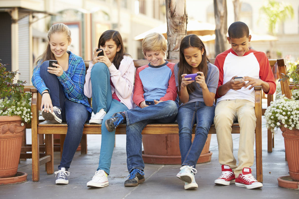 Screenagers' Shows Parents Overwhelmed by Kids' Phone, Computer Use | KQED
