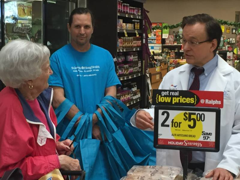 St. Joseph Hoag Hospital gives out shopping bags to people who consult the doctor about food choices.