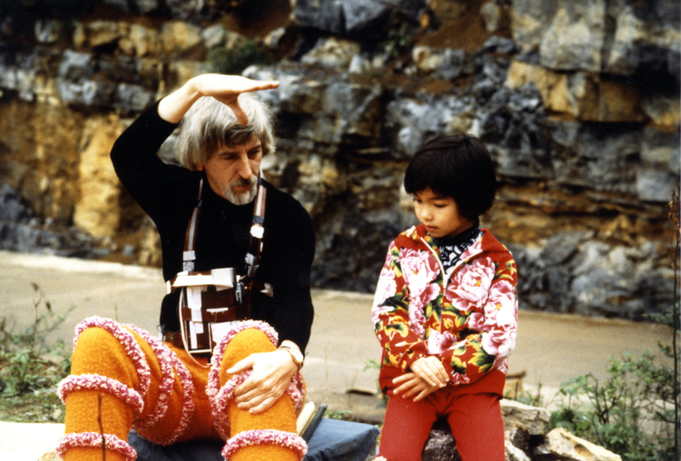 Caroll Spinney and Xiao Foo on the set of Big Bird in China. (Courtesy PBS)