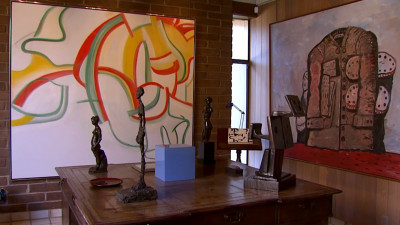 A de Kooning and Giacometti sculptures grace the Andersons' living room.