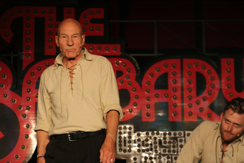Patrick Stewart performing with Improvised Shakespeare
