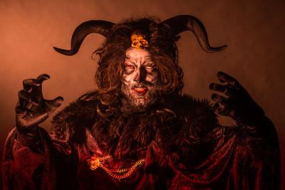 Diego Gómez in Thrillpeddlers' Shocktoberfest 15: The Bloody Débutante; photo by David Allen
