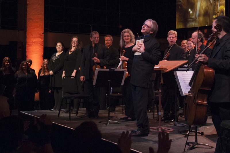 Michael Tilson Thomas with members of the SF Symphony and Chorus. (Photo: Stefan Cohen)