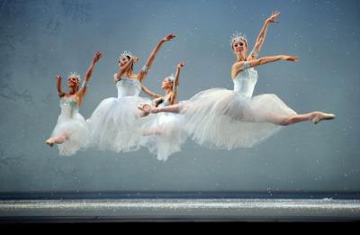 San Francisco Ballet in Helgi Tomasson's The Nutcracker; Photo by Erik Tomasson
