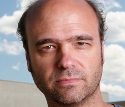 Scott Adsit improvises his way through otherwise scripted scenes in Gravid Water.