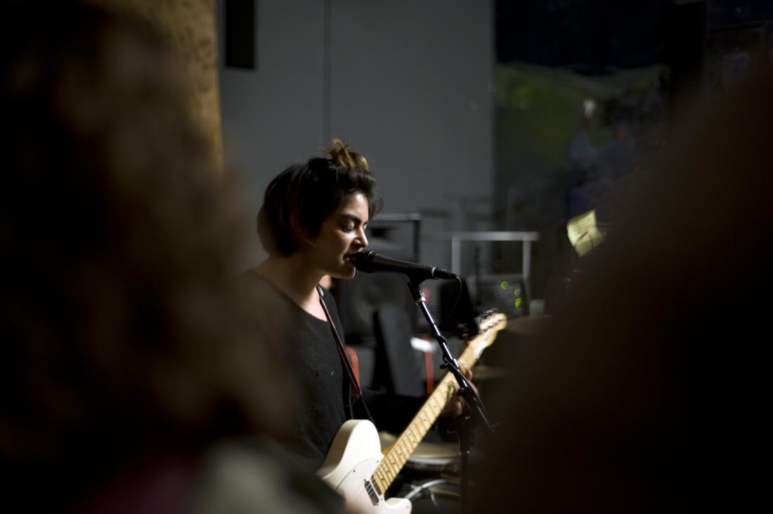 Bean Kaloni Tupou playing at San Jose Rock Shop, 2015 (Photo: Adrienne Blaine)