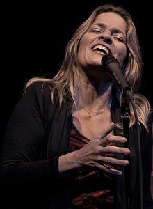 Claudia Villela