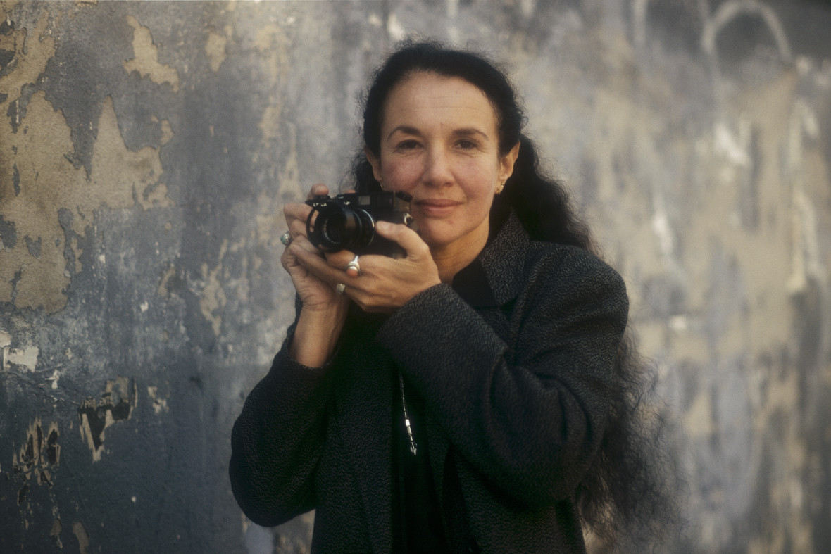 Photographer Mary Ellen Mark in New York City in 1987. (Courtesy of Mary Ellen Mark Studio and Library)