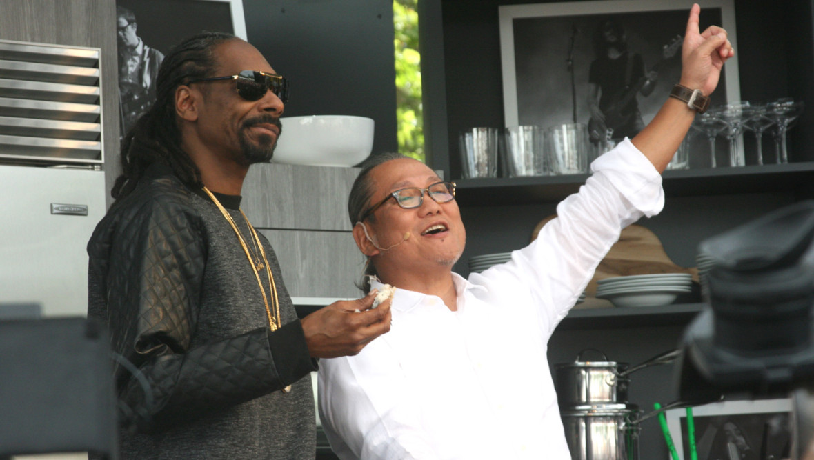 Snoop Dogg makes sushi with Masaharu Morimoto at BottleRock Napa Valley, May 31, 2015. (Photo: Gabe Meline)
