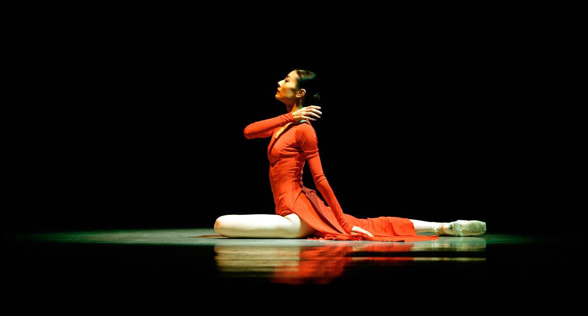 Yuan Yuan Tan in Yuri Possokhov's Magrittomania at San Francisco Ballet