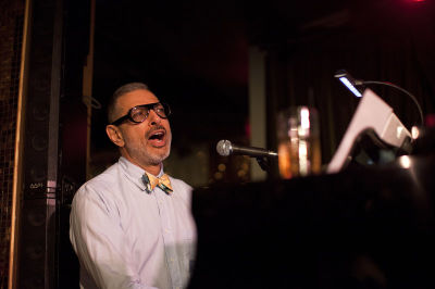 Jeff Goldblum performing at the Rockwell club in LA.