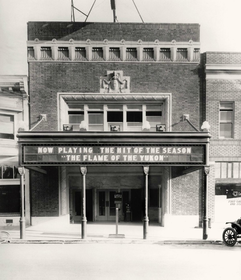 The theater in 1917, the first year of its operation
