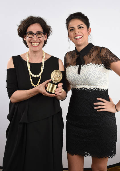 Koenig poses with her award with comedian Cecily Strong at The 74th Annual Peabody Awards Ceremony