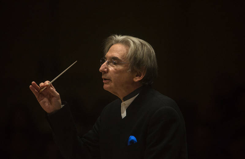 Michael Tilson Thomas conducts at Carnegie Hall.