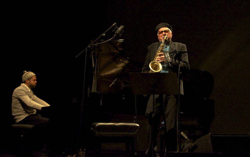 Charles Lloyd performs with pianist Jason Moran in Munich in early 2013. Photo by Dorothy Darr.