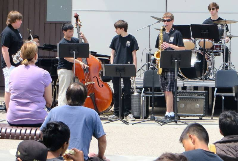 The San Jose Jazz High School All Stars perform at the Mountain View High School Jazz Festival. San Jose Jazz uses Silicon Valley Gives as an opportunity to highlight the education work Jazz does in San Jose schools and summer camps.