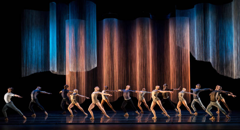 Smuin Ballet in the world première of Helen Pickett's 'Oasis' (Photo: Keith Sutter)