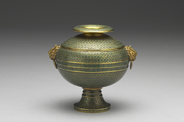 Ritual dou vessel with phoenix-shaped handles, by the Imperial Workshop, Beijing. Qing dynasty, reign of Emperor Yongzheng (1723–1735). Copper alloy with cloisonné enamel inlays.