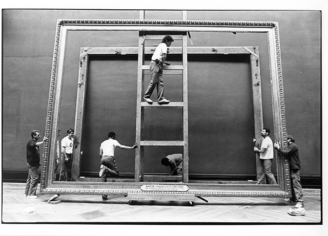 Still from Nicolas Philibert's 'Louvre City' (La ville Louvre), 1990.