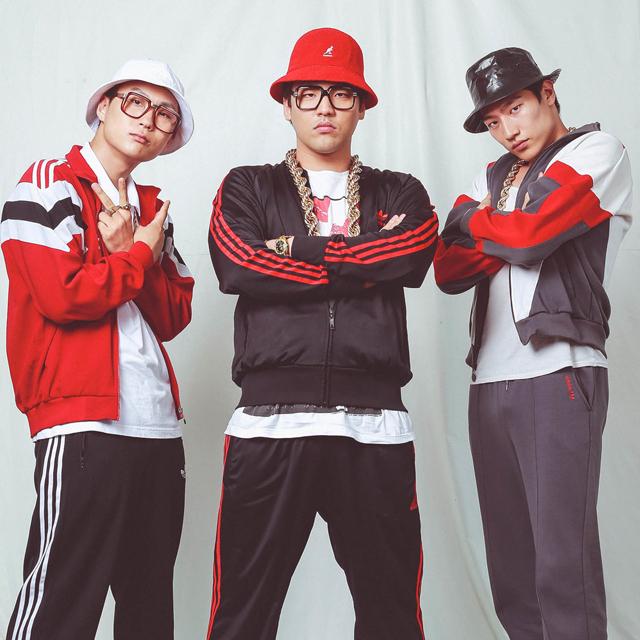 Hee Jun Han (center) as Chow.