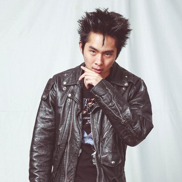Justin Chon as Sid Park.