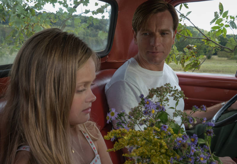 Merry Levov (Hannah Nordberg) and Swede Levov (Ewan McGregor) in American Pastoral.