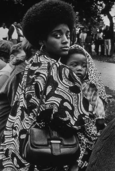 Ruth-Marion Baruch, Mother and child, Free Huey Rally, Oakland, 1968