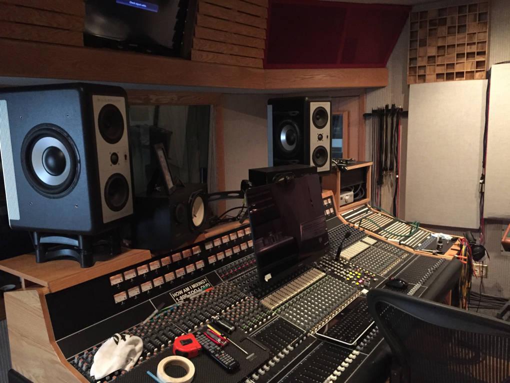 Control room at Decibelle Recording Studio