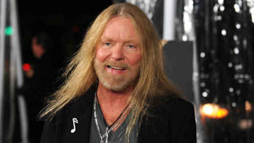 Gregg Allman arrives at the premiere Of Fox Searchlight's 'Crazy Heart' in 2009.