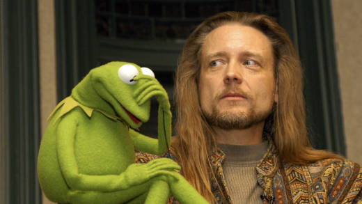 Kermit the Frog and his operator Steve Whitmire take questions from the audience in 2003, at Barnes & Noble Union Square in New York City.