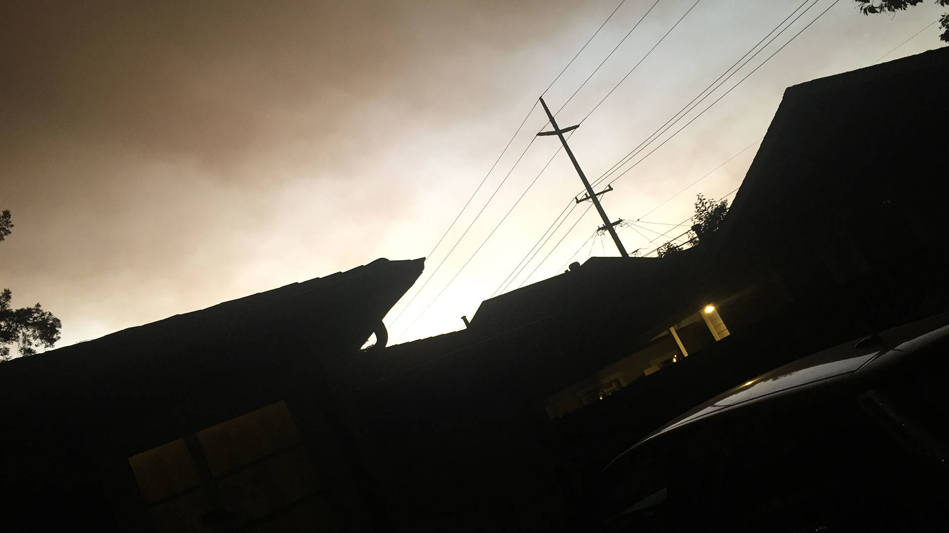 A photo from 30 seconds before we evacuated. Gabe Meline/KQED