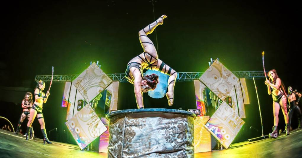 Vau de Vire Society stages the circus acts for 'Sunday Skool'