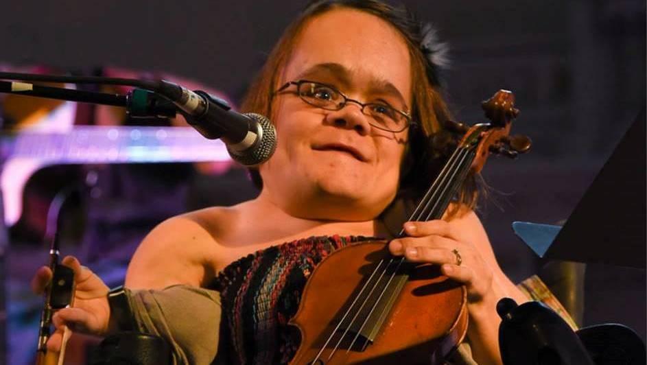 Gaelynn Lea plays two Bay Area gigs in February