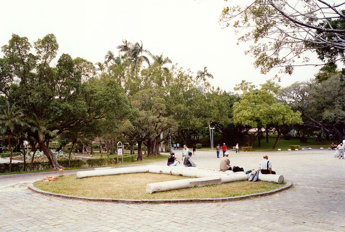 Shitamichi Motoyuki, 'Taichung, Taiwan' from the 'torii' series, 2006-12.