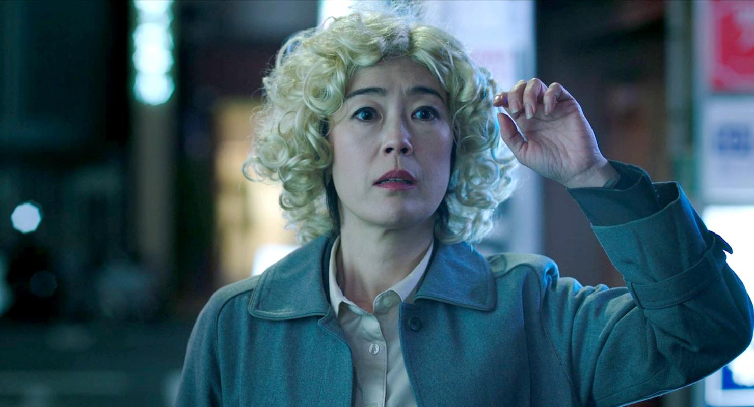 Shinobu Terajima in 'Oh Lucy!'